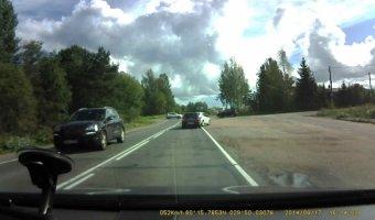 Два автомобиля нарушили ПДД и спровоцировали ДТП на Выборгском ш.