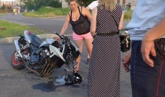 Мотоциклист разбился о борт минивэна на улице Чекистов
