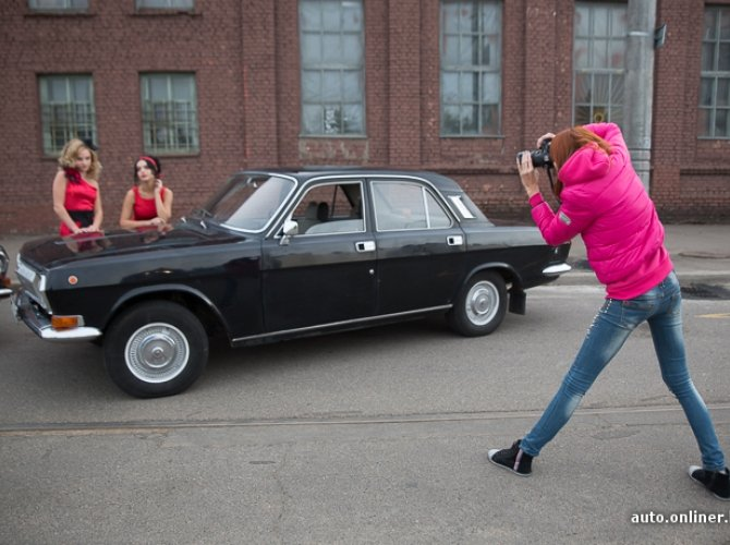 Реро фотосессия на фоне ГАЗ Волга