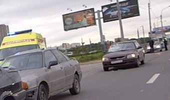 На Петергофском шоссе автомобиль Hyundai Accent сбил пешехода