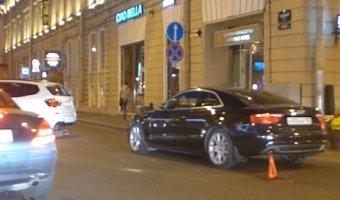 AUDI A5 с номером 005 врезался в BMW Х-Series с номером 001