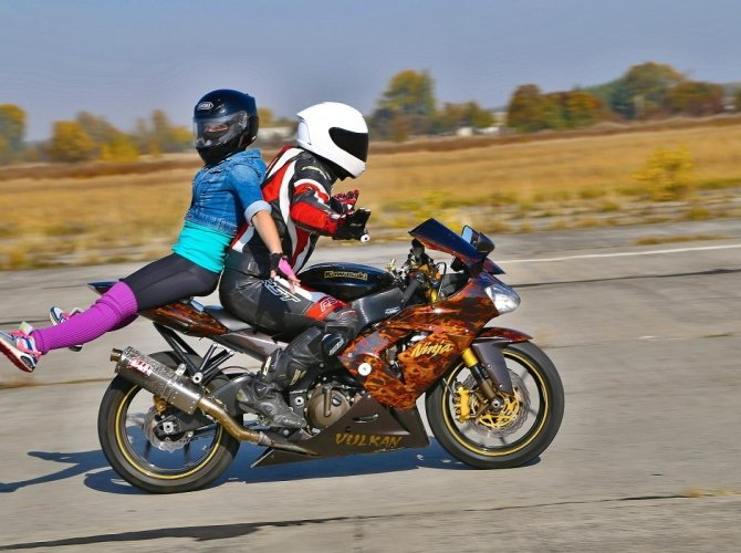 Акробатика на мотоцикле