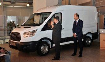 Две новые модели, Ford Transit и Ford Transit Custom были представлены в автосалоне «Аларм-Моторс Озерки»