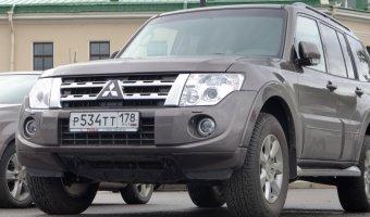 Члены Общественной палаты РФ предлагают лишать прав за езду по тротуарам