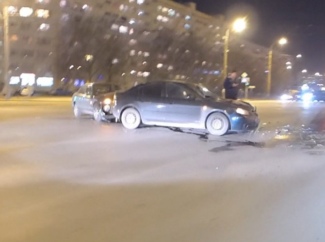 ДТП на перекрестке Казакова и Жукова