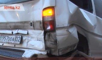 Авария в Алматы - наезд на стоящее транспортное средство
