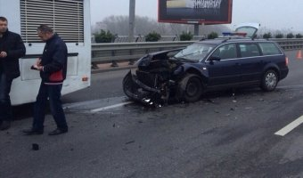 Девушка с 1,97 промилле алкоголя в крови, не заметила остановившийся в пробке автомобиль Peugeot