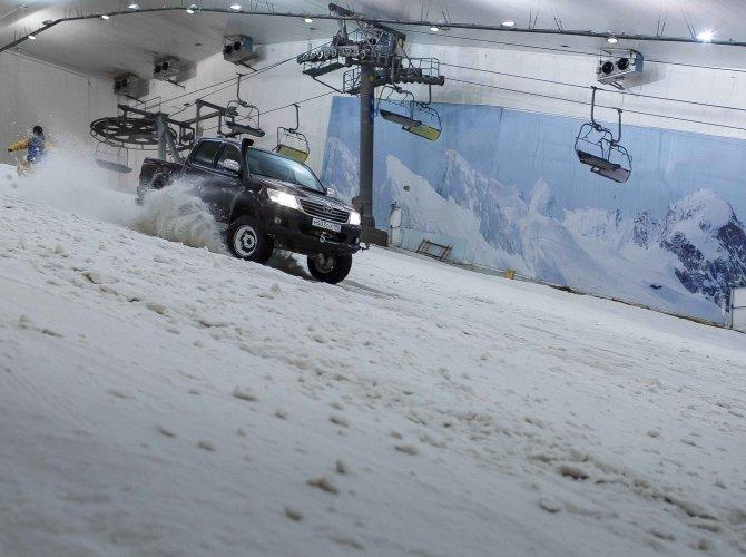 12 подвигов Hilux_снежный слалом.jpg