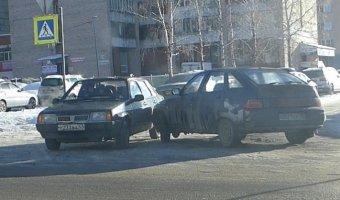 ДТП, лобовое столкновение двух автомобилей