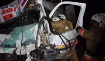 В Башкирии микроавтобус столкнулся с фурой