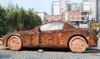 Кирпичный Mercedes-Benz SLK - эксклюзивные автомобильные скульптуры.