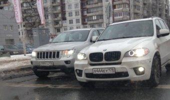 Скандальная запись на обучение в автошколу по телефону вызвала массовые проверки этих заведений в Петербурге