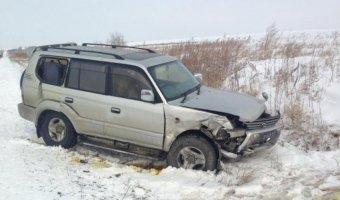 В Приморье три машины слетели в кювет из-за гололеда
