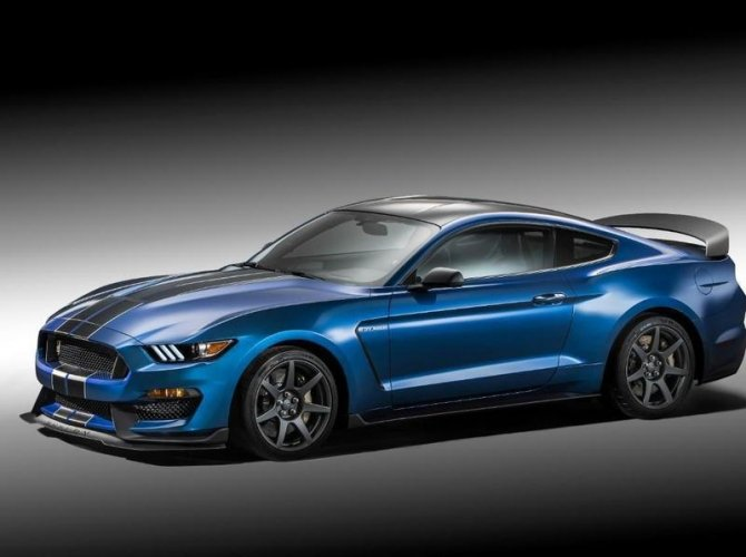 Ford Shelby GT350 4.jpg