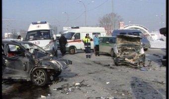 В массовом ДТП на трассе под Серовом погибла семья полицейских