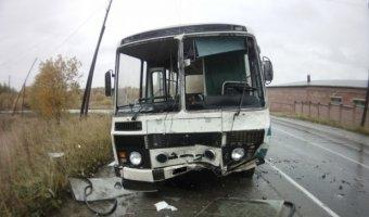13 человек пострадали в ДТП с автобусом в Бийске