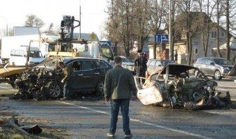 На трассе М-10 погибли две девушки: одна сгорела заживо