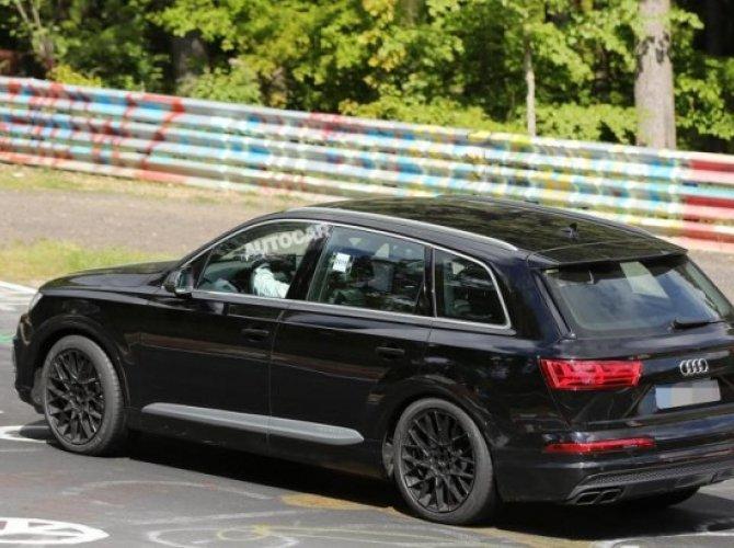 Audi SQ7.jpg