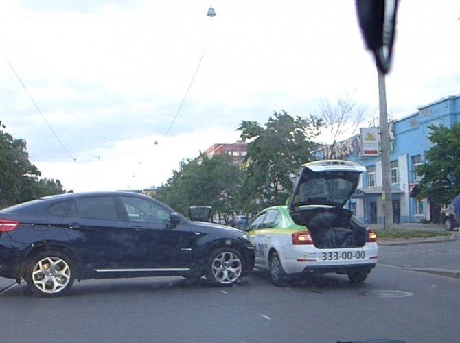 ДТП на проспекте Энгельса 9 июня 2015