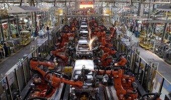 Производство автомобилей в России заметно снизилось