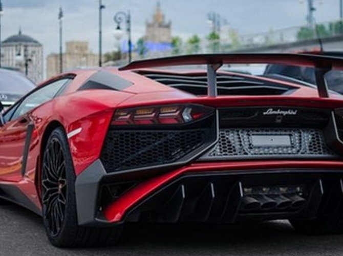Lamborghini Aventador SV 2.jpg