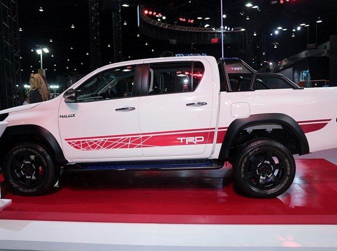 Toyota Hilux Revo TRD Sport Offroad 1.JPG