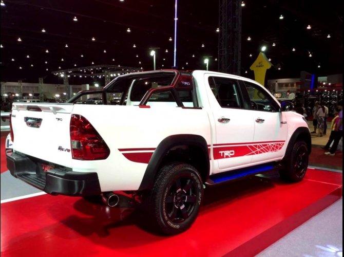Toyota Hilux Revo TRD Sport Offroad 3.JPG