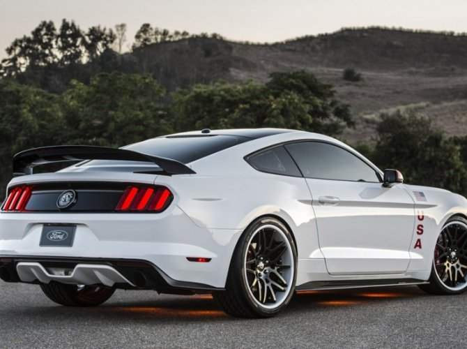 Ford Mustang Apollo Edition 2.jpg