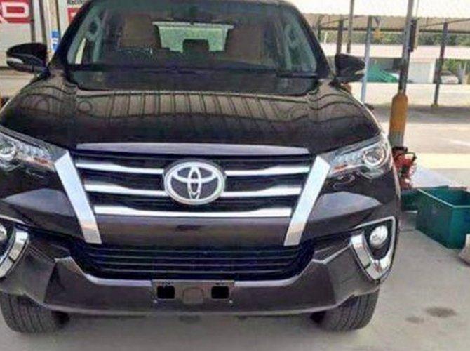 Toyota Fortuner (2016)-1.jpg