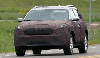 Фотошпионы поймали новый Jeep Cherokee