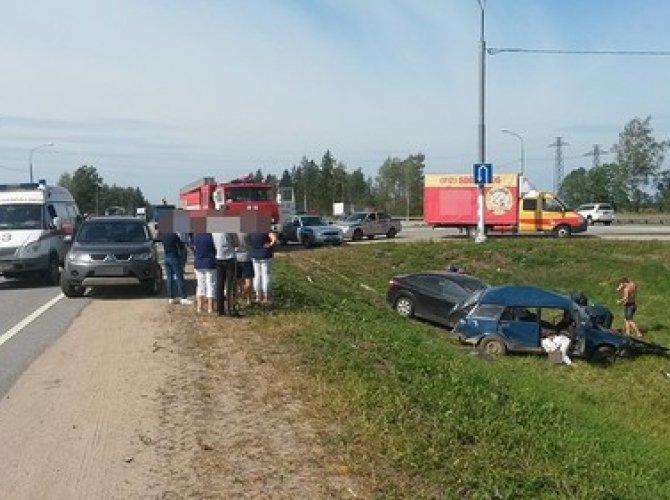 Два человека погибли и пятеро пострадали в ДТП на М-10 под Тверью 3.jpg