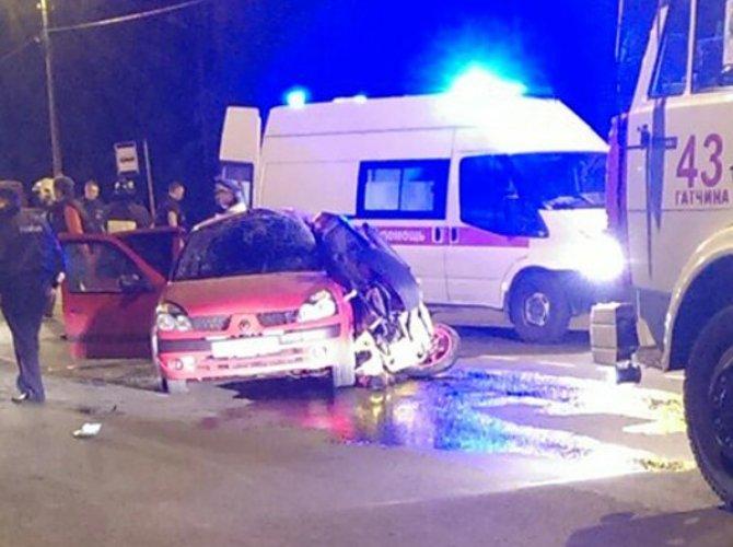 В Гатчине в ДТП погиб мотоциклист4.jpg