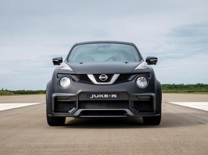 Nissan Juke-R 2.0 2.jpg
