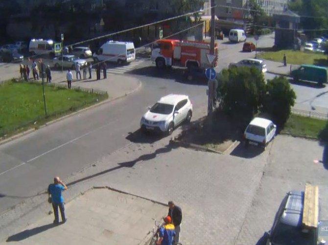В Красном Селе сбили двух пешеходов – один погиб.jpg