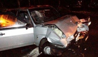 В Екатеринбурге столкнулись легковой автомобиль и скорая помощь