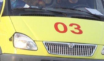 Под Великим Новгородом автомобиль сбил женщину с тремя детьми - один ребенок погиб