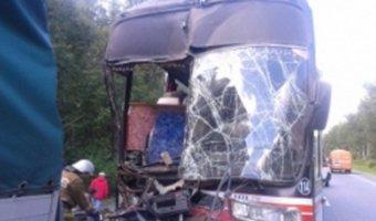В Челябинской области у автобуса отказали тормоза: три человека погибли