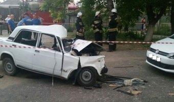 В Пятигорске в аварии с тремя машинами погибли двое