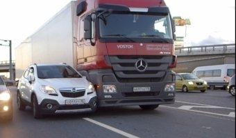 Авария на съезде с КАД на Мурманское шоссе