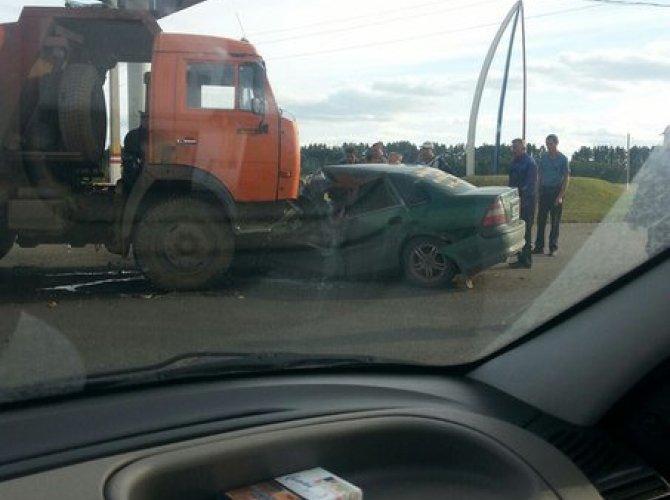 Смертельное ДТП в Саранске: КАМАЗ и Opel.jpg