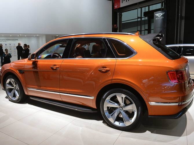 Bentley Bentayga 1.jpg