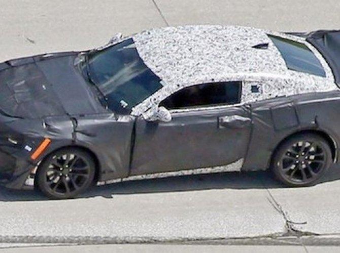 Chevrolet Camaro ZL1 2017-1.jpg