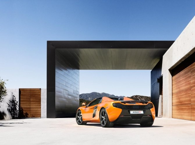 McLaren 650S 3.jpg
