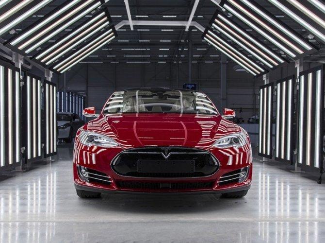 Илон Маск открыл первый в Европе завод Tesla 1.jpg