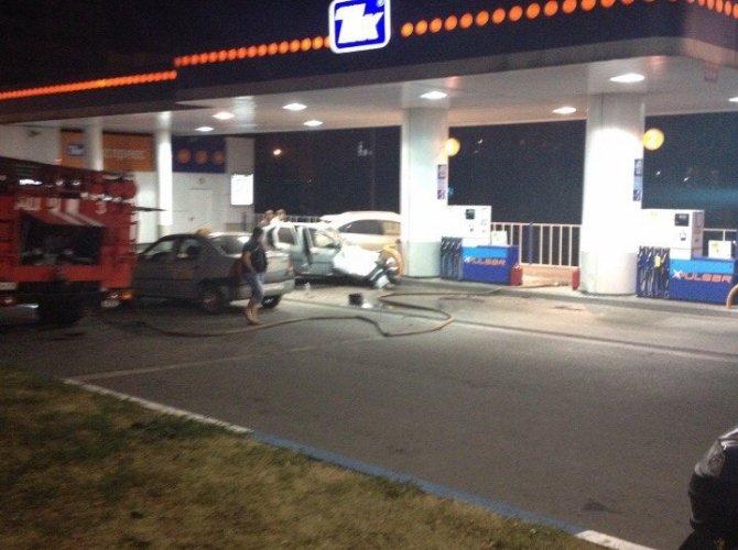В Белгороде пьяная 19-летняя девушка на Lexus врезалась в АЗС, уходя от погони 6.jpg