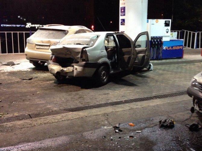 В Белгороде пьяная 19-летняя девушка на Lexus врезалась в АЗС, уходя от погони 1.jpg