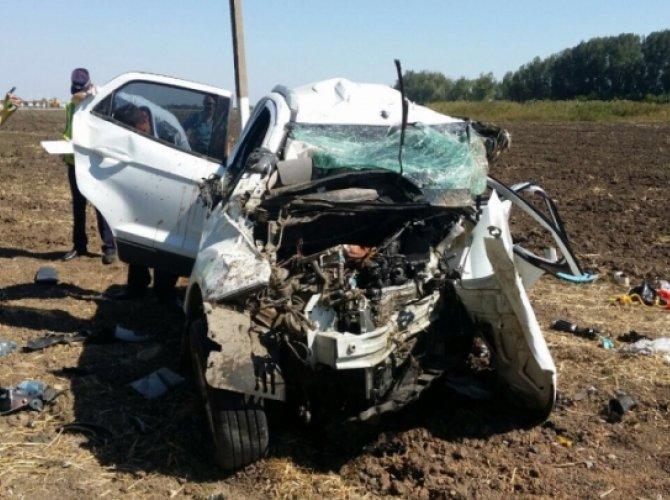 В Краснодарском крае в лобовом столкновении погибли три человека.jpg