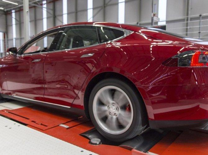 Илон Маск открыл первый в Европе завод Tesla 2.jpg