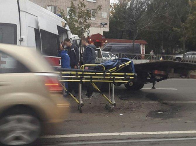 """На Народной столкнулись """"Скорая помощь"""" и эвакуатор: есть пострадавшие 7.jpg"""