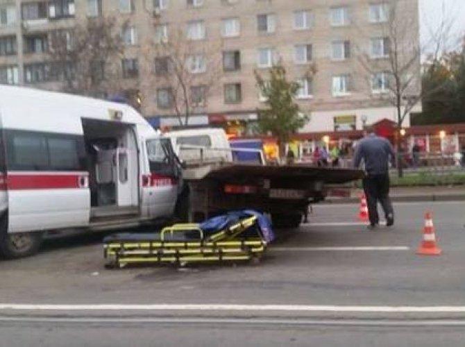 """На Народной столкнулись """"Скорая помощь"""" и эвакуатор: есть пострадавшие 8.jpg"""